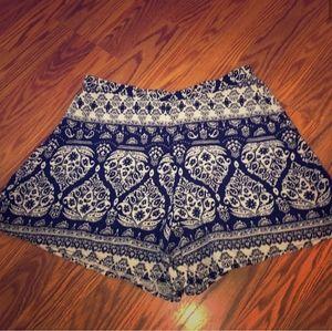 Mudd navy & cream soft flowy rayon shorts